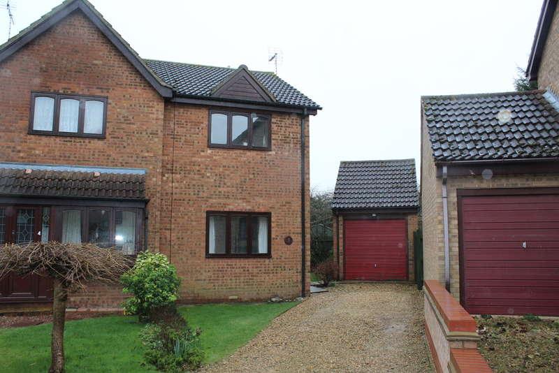 2 Bedrooms Semi Detached House for sale in Barn Close, Stilton, Peterborough PE3 7FQ