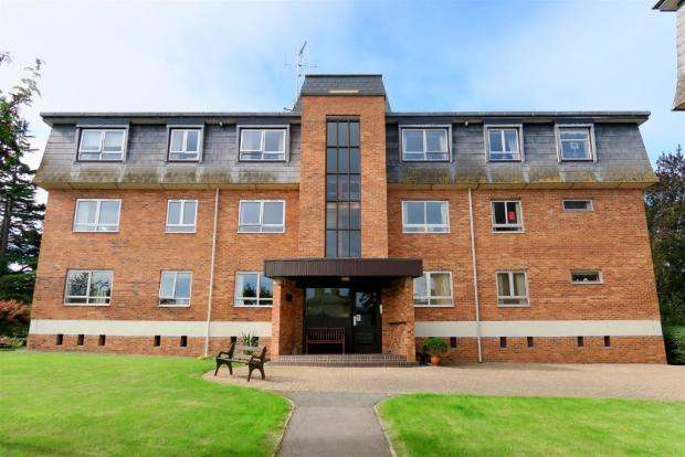 2 Bedrooms Apartment Flat for sale in Compass Rise, Taunton TA1