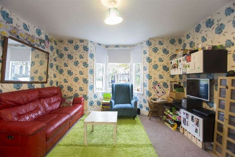 2 Bedrooms Apartment Flat for sale in Lockhurst Street, Hackney, London, E5