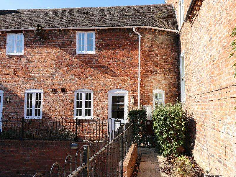 2 Bedrooms Cottage House for sale in Pershore WR10