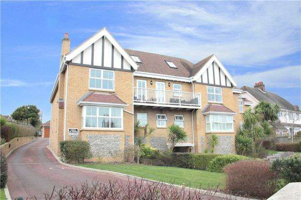 3 Bedrooms Apartment Flat for sale in Red Admirals, 24 Water Lane, Angmering, West Sussex, BN16
