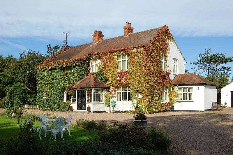 7 Bedrooms Cottage House for sale in Marsh Lane, Healing DN41
