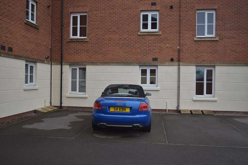 2 Bedrooms Apartment Flat for sale in Ffordd Nowell, Penylan, Cardiff CF23