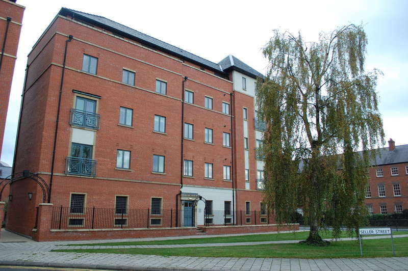 2 Bedrooms Flat for sale in Seller Street, Chester