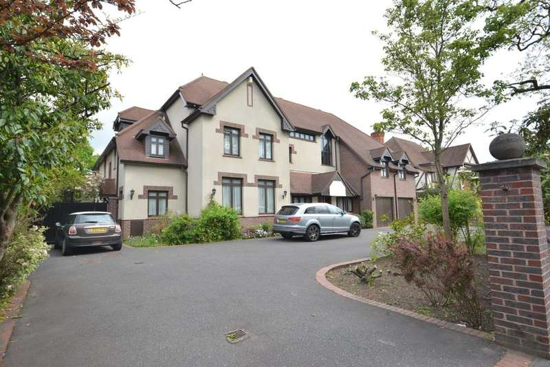 8 Bedrooms Detached House for sale in Parkstone Avenue, Emerson Park, Hornchurch, Essex RM11