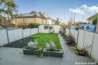 4 Bedrooms Terraced House for sale in Conical Corner, Enfield, Hertfordshire