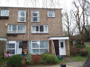 2 Bedrooms Maisonette Flat for sale in Friars Wood, Pixton Way, Croydon