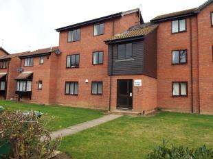 1 Bedroom Flat for sale in Halifield Drive, Belvedere