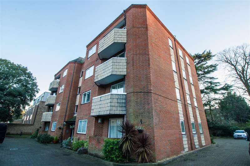 1 Bedroom Apartment Flat for sale in Conifer Court, 2 Inner Park Road, Wimbledon