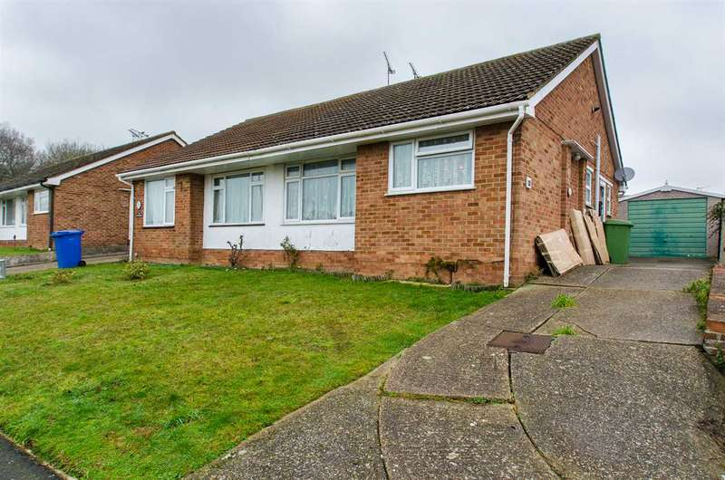 2 Bedrooms Bungalow for sale in Clive Road, Sittingbourne