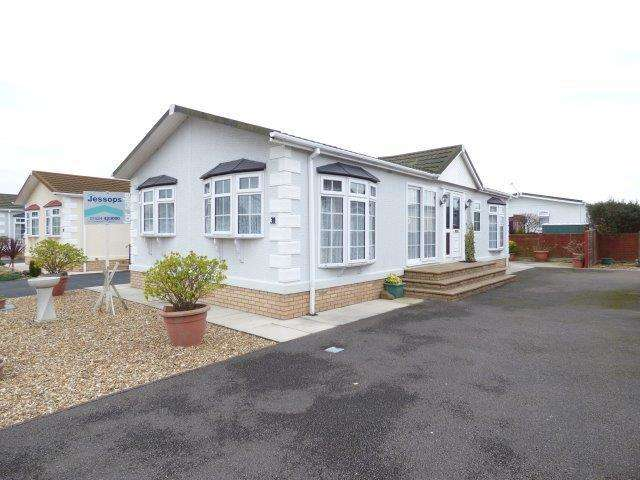 2 Bedrooms Mobile Home for sale in Stud Farm Park, Oxcliffe Road, Morecambe, LA3 3QU