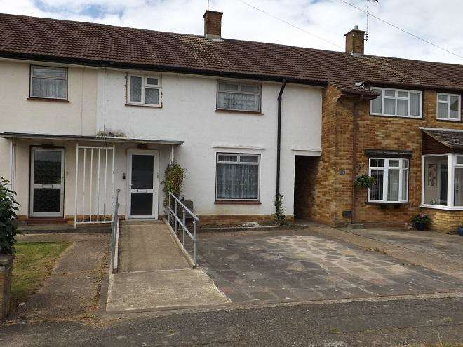 3 Bedrooms Terraced House for sale in romilly drive,Carpenders Park,WD195BH