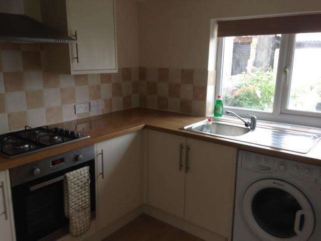 4 Bedrooms Terraced House for rent in May Street, Cathays, Cardiff CF24