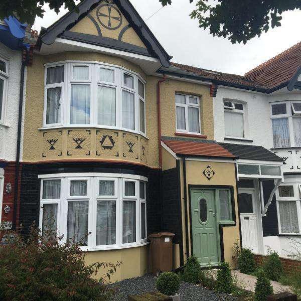 4 Bedrooms End Of Terrace House for sale in Roden Road, Chingford E4