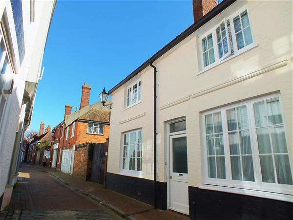 2 Bedrooms Retirement Property for sale in Gange Mews, Middle Row, Faversham