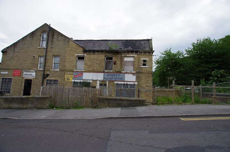 House for sale in Cunliffe Road, West Yorkshire, Bradford BD8