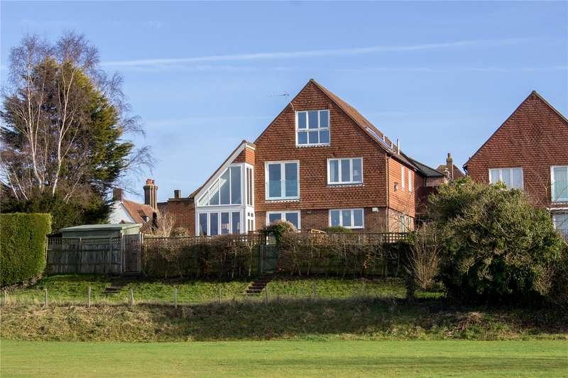 5 Bedrooms Link Detached House for sale in George Mews, Battle