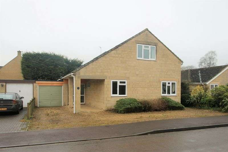 3 Bedrooms Detached House for sale in Holford Crescent, Kempsford, Gloucestershire.