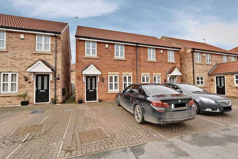 3 Bedrooms Semi Detached House for sale in Pools Brook Park, Kingswood