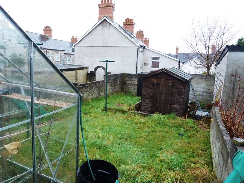 3 Bedrooms Terraced House for sale in Main Street, Barry