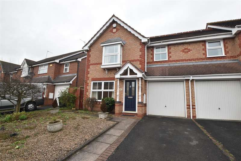 3 Bedrooms Property for sale in Calder Close, Droitwich