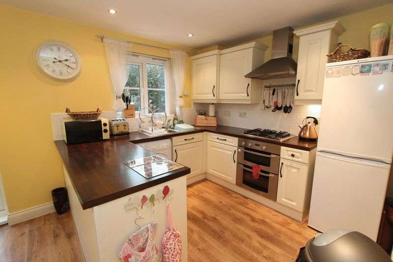 3 Bedrooms Semi Detached House for sale in Southiside Gardens, South Hylton, Sunderland