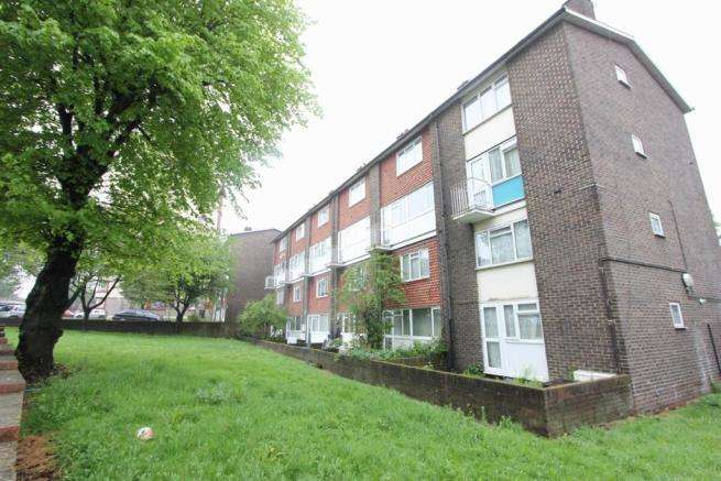 2 Bedrooms Maisonette Flat for sale in Regina Road, South Norwood, London SE25