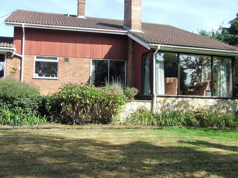 4 Bedrooms Detached House for sale in Blue Mills Hill, Witham Road, Wickham Bishops CM8