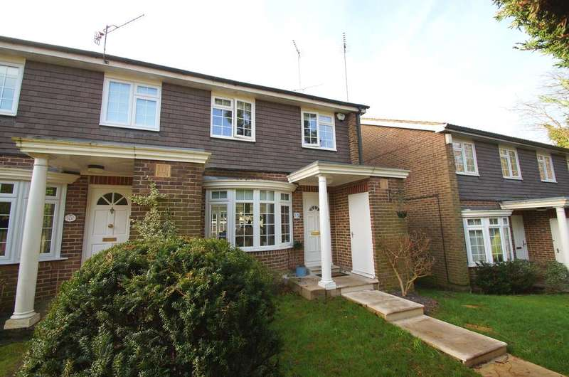 3 Bedrooms Semi Detached House for sale in Marlborough Drive, Weybridge KT13