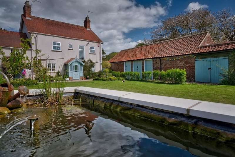 5 Bedrooms Farm House Character Property for sale in Church Street, Bainton, Driffield YO25