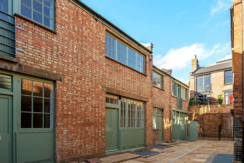 2 Bedrooms Mews House for sale in Temple Yard, Temple Street, Tower Hamlets, London E2