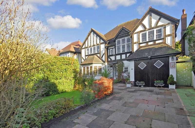 4 Bedrooms Detached House for sale in Coalway Road, Penn, Wolverhampton WV3
