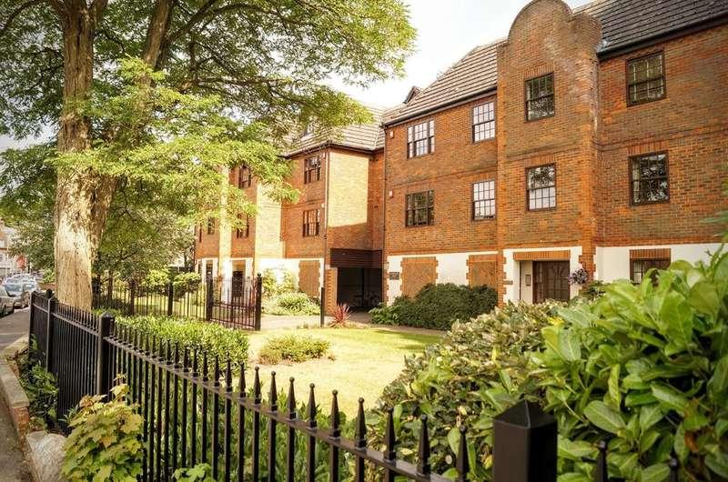 1 Bedroom Apartment Flat for sale in St Michaels Court, Princes Road, Weybridge KT13