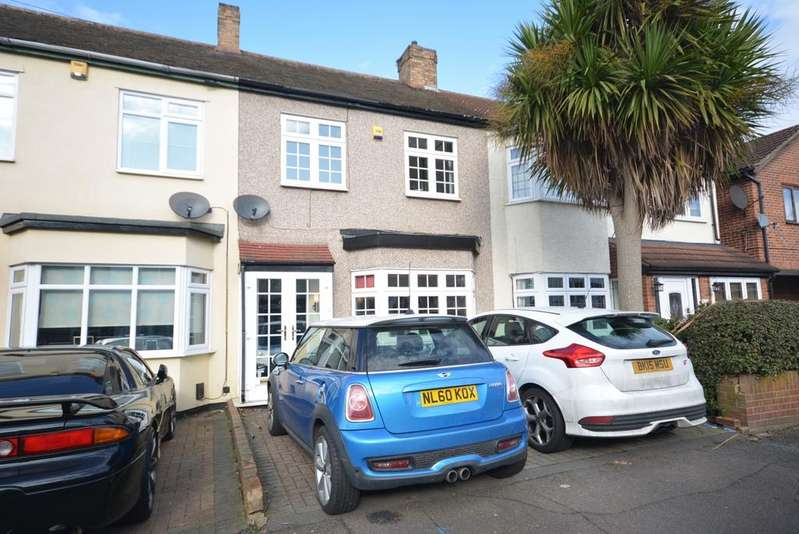 3 Bedrooms Terraced House for sale in Stafford Avenue, Ardleigh Green, Hornchurch RM11