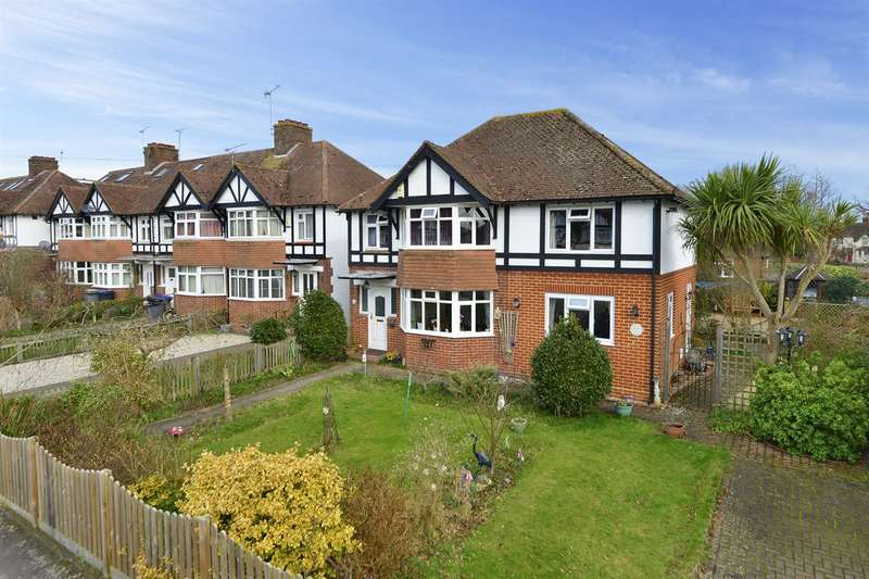 4 Bedrooms Detached House for sale in Harcourt Drive, Canterbury