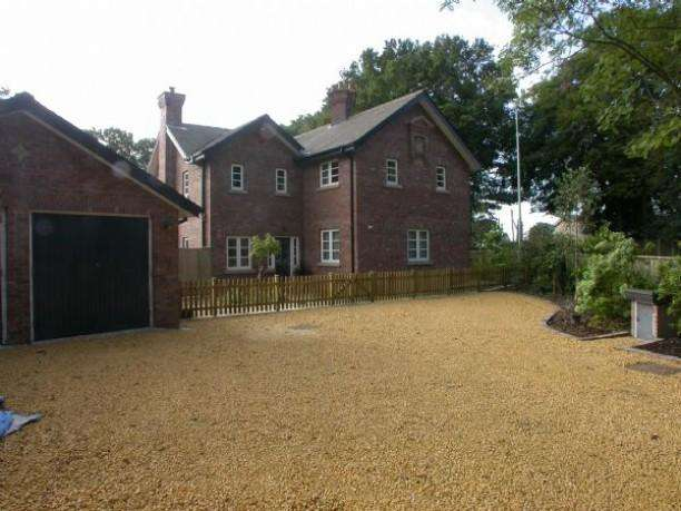 4 Bedrooms Detached House for sale in POYNTON (TOWERS ROAD)