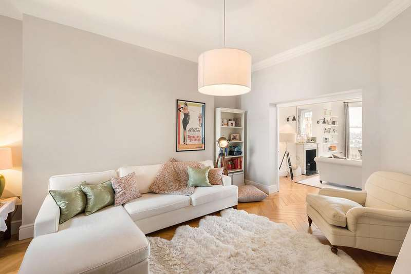 4 Bedrooms Apartment Flat for sale in Marloes Road, Kensington W8