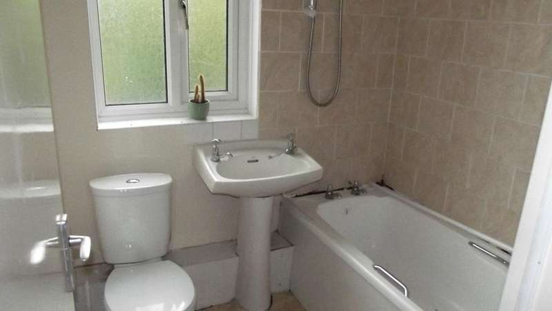 2 Bedrooms Terraced House for sale in Millthorpe Road, Sheffield S5
