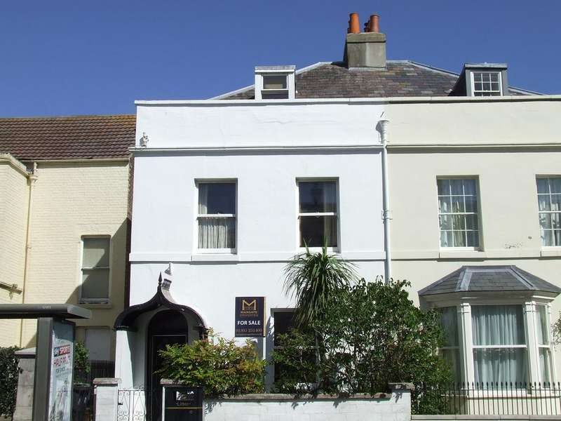 6 Bedrooms Semi Detached House for sale in Dorchester Road, Weymouth DT4