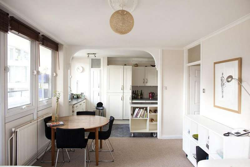 3 Bedrooms Flat for sale in Braithwaite Tower, Hall Place, London W2