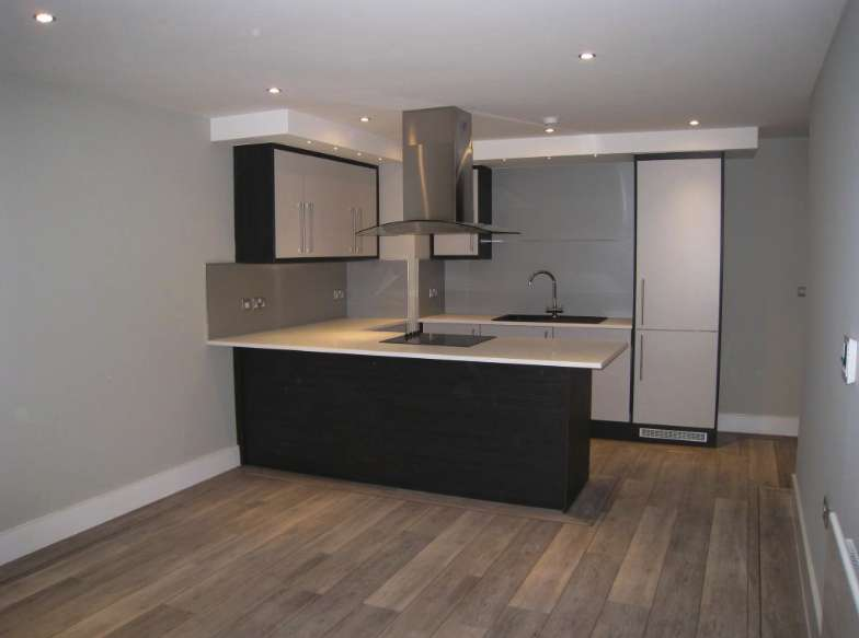 1 Bedroom Apartment Flat for rent in M2