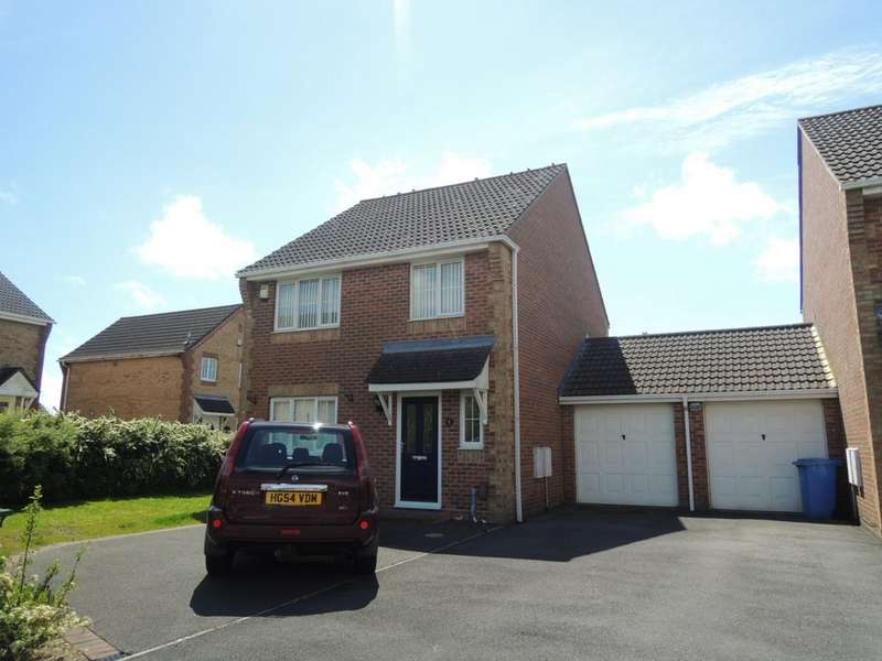 4 Bedrooms Detached House for sale in Bishop Close, Talbot Village, Poole BH12