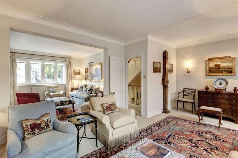 3 Bedrooms Town House for sale in Ennismore Street, London SW7