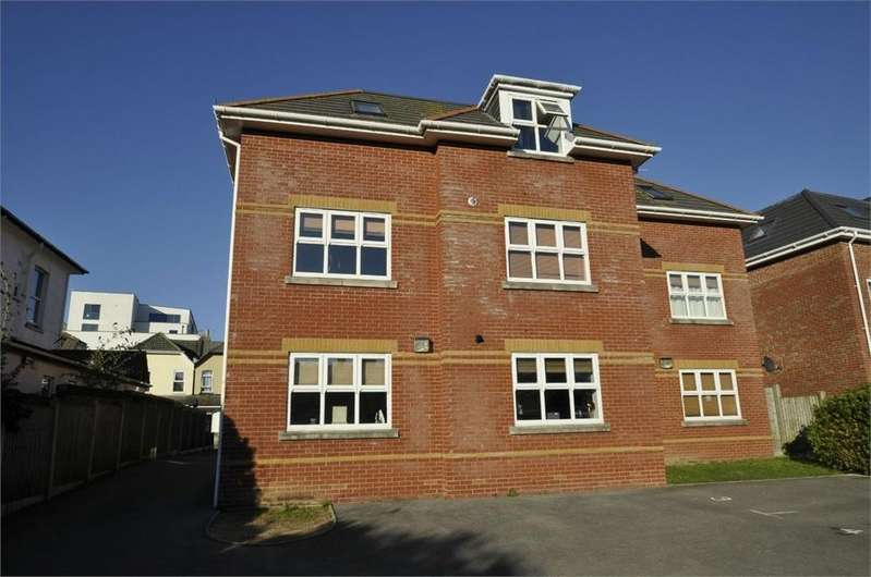 2 Bedrooms Flat for sale in Southcote Road, BOURNEMOUTH, Dorset
