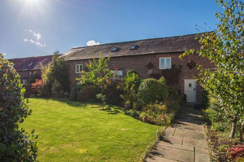 4 Bedrooms House for sale in 4 bedroom Barn Conversion Terraced in Wrexham