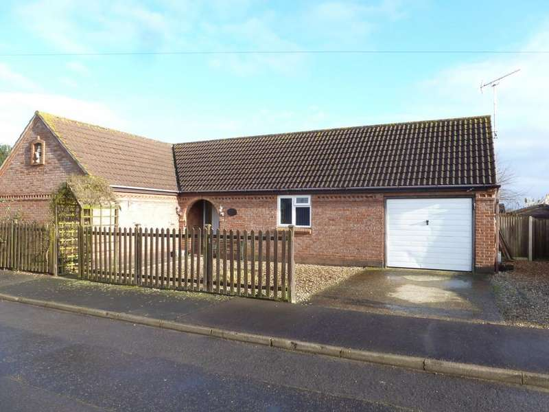 3 Bedrooms Detached Bungalow for sale in Bacton, Norwich