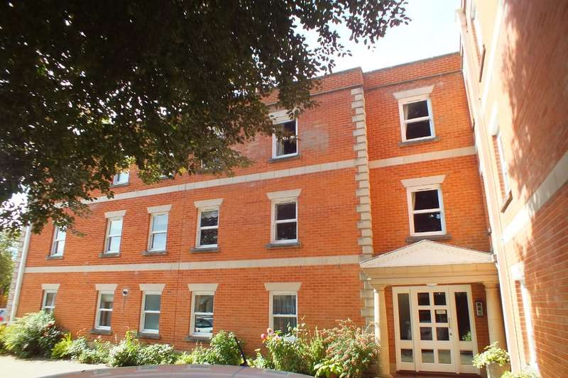 2 Bedrooms Flat for sale in Cirencester