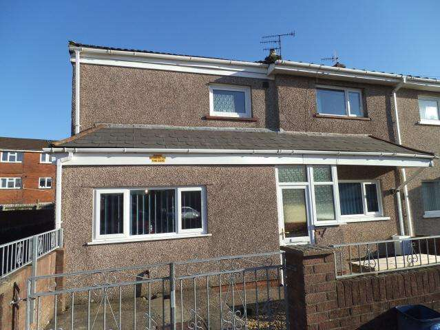 3 Bedrooms Semi Detached House for sale in Terfyn, Ynysawdre, Bridgend CF32