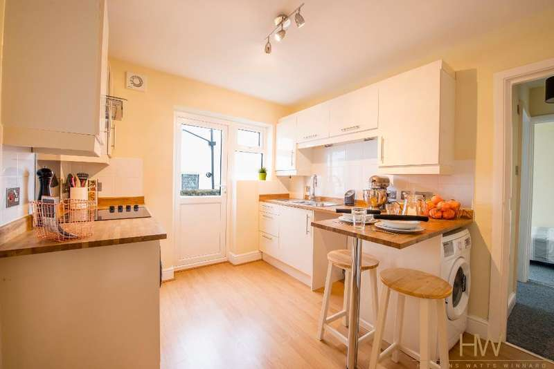 2 Bedrooms Apartment Flat for sale in Bear Road, Brighton, bn2 4dd