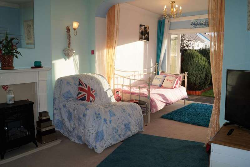 1 Bedroom Ground Flat for sale in Mossom Lane, Thornton-Cleveleys, Lancashire, Blackpool FY5